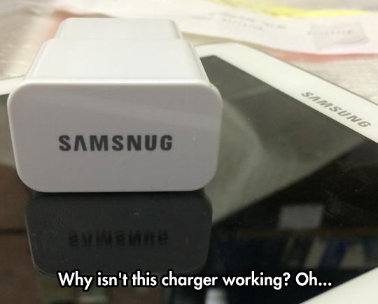funny-fake-Samsung-charger-misspell