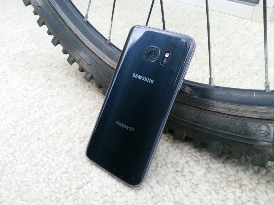 Не для России  Экономим — покупаем операторский Galaxy S7 в