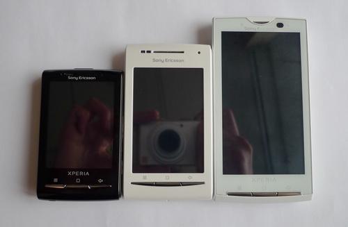 По размерам SE X8 в прямом смысле середнячок, больше чем X10 mini и компактнее чем простой X10